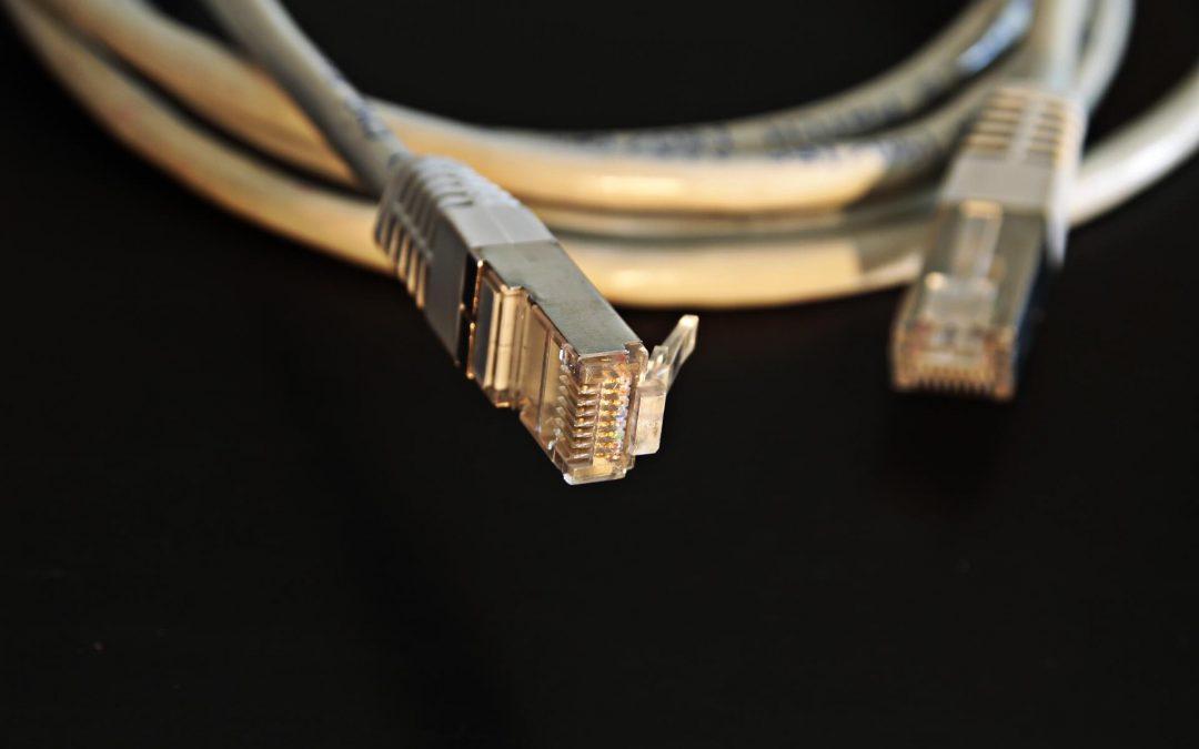 Installation de prise RJ45 pour réseau internet domestique
